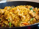 Video: Spicy Singapore Noodles