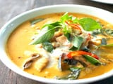 Video: Yellow Chicken Curry