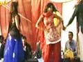 Videos : सोनीपत : पुलिस थाने में जमकर हुआ अश्लील डांस
