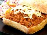 Minced lamb on bread