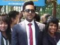 Video : Ayushmann's Bewakoofiyaan outside restaurant