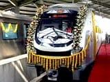 मुंबई मेट्रो शुरू होने से पहले ही विवाद