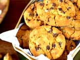 Video: Chocolate Chip and Almond Cookies