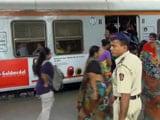 Videos : मुंबई : 65 वर्षीय महिला रेल यात्री का आरोप, कपड़े उतरवाकर ली गई तलाशी