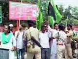 Videos : रांची में जेएमएम कार्यकर्ताओं ने केंद्रीय मंत्री नरेंद्र तोमर को दिखाए काले झंडे