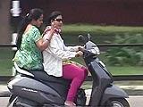 Videos : महिलाओं के लिए हेलमेट की अनिवार्यता व्यावहारिक?