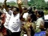 Videos : जयललिता के समर्थकों ने किया बेंगलुरु में प्रदर्शन
