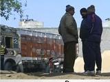 Videos : दिल्ली : गोदाम में छिपाकर रखी गईं शराब की 497 पेटियां जब्त