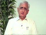 Videos : 'पार्टी के पिरामिड में सबसे ऊपर सोनिया-राहुल हैं'