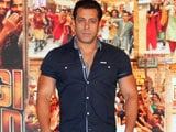 Video : Salman Khan Sprains His Back
