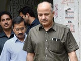 Video : Arvind Kejriwal Meets Family of Girl Stabbed to Death, Says Law and Order Deteriorating in Delhi