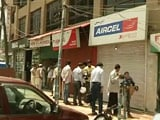 Video : Grenades Target Vodafone and Aircel Shops in Srinagar