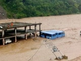 हिमाचल में आफत की बारिश, धरमपुर में बसें डूबी, सड़कों और मकानों को काफी नुकसान
