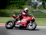 Video : Full-Blooded Ducati 1199R Panigale