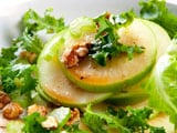 Video : Apple and Walnut Salad
