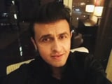 Sonu Nigam Sings for the Cause of <i>Shiksha</i>