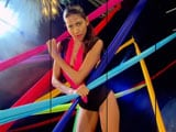 Video: Kingfisher Supermodels Create Graphic Art Using Their Bodies