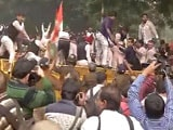 Video : Youth Congress Workers Protesting Against 'Intolerance' in Delhi