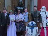 Video : 'Star Wars Wedding' For Two Fans in Los Angeles