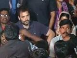 Video : रोहित वेमूला की याद में निकाले गए कैंडल मार्च में शामिल हुए राहुल गांधी