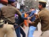 Video : Shocking Video of Delhi Students Being Thrashed By Police Goes Viral