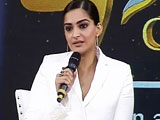 Video : Actor Sonam Kapoor Joins the NDTV-L'Oreal Paris Women of Worth Awards