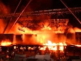 Video : मुंबई में आतिशबाजी के बाद 'मेक इन इंडिया' के सेट पर लगी भीषण आग