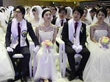 Video : 3,000 Couples Tie The Knot In South Korean Mass Wedding