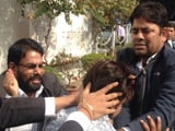 Video : पटियाला हाउस मामले में 'बवाली' वकीलों, केंद्र सरकार व दिल्ली पुलिस को नोटिस