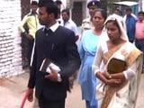 Video: मध्य प्रदेश : बजरंग दल सदस्यों का उत्पात, चर्च में चल रही शादी रुकवाई