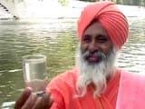 Video: मिलिये नदी को बचाने वाले इस संत से, जिन्हें अब मिली गंगा सफाई की जिम्मेदारी