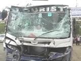 Video: नोएडा : दो स्कूली बसों की टक्कर की चपेट में आया ऑटो, दो की मौत