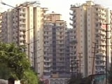 Video: Redevelopment Stalled: Residents of Dadar Risk Their Lives