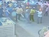 Video: CCTV में कैद : जयपुर में ढाबे पर दबंगों की मारपीट