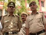 Video: दिल्ली : लड़की के अपहरण की कोशिश नाकाम करने वाले पुलिस कर्मियों को मिलेगा इनाम