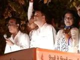 Video: दिल्ली में बिजली-पानी की समस्या के विरोध में राहुल गांधी का मशाल जुलूस
