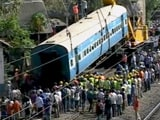 Video : मुंबई : लोअर परेल में पटरी से उतरा ट्रेन का कोच