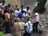 Video : मेरठ: अवैध निर्माण ढहाते समय इमारत गिरी, 4 की मौत