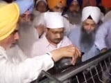 Video : Arvind Kejriwal Cleans Dishes At Golden Temple To Say Sorry