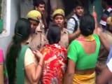 Video : गाजियाबाद में बच्ची ने की आत्महत्या