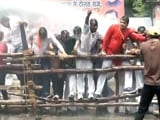 Video : लखनऊ में बीजेपी के प्रदर्शन के दौरान जमकर हंगामा
