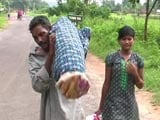Video : From Hospital, Odisha Man Carried Wife's Body 10 Km With Daughter