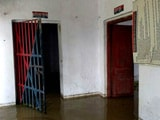 Video : Flooded Police Station In Uttar Pradesh Is Now Working From A Road