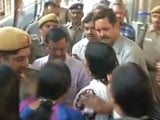 Video : Arvind Kejriwal Boards Train Amid Protests, Pulls Into Ludhiana With More