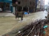 Video: आंध्र प्रदेश और तेलंगाना में बारिश से बिगड़े हालात, सेना की टीम राहत अभियान में जुटी