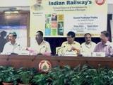 Video : रेलवे के नए टाइम टेबल में नई ट्रेनों का ज़िक्र भी...