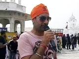 Video: Jasbir Jassi Sings The Gurbani At The Golden Temple