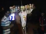 Video : जेएनयू में प्रधानमंत्री का पुतला जलाने पर बवाल
