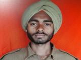 पाकिस्तानी घुसपै� ियों की साज़िश नाकाम करने वाले BSF जवान गुरमान सिंह हुए शहीद