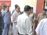 Video : Terror Suspects Fed 'Chicken Biryani': Chief Minister Chouhan On SIMI Row